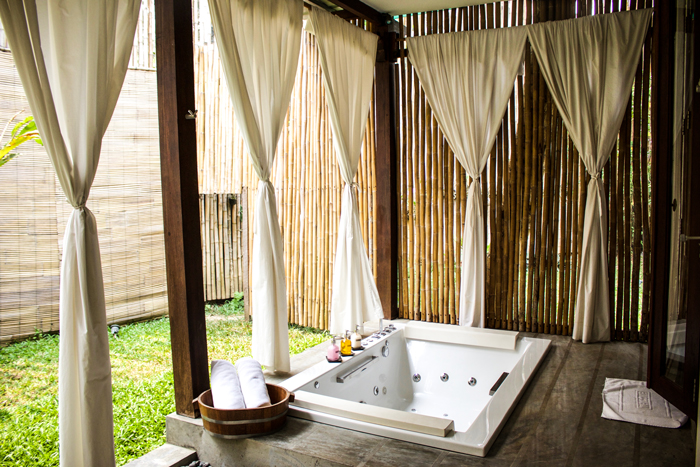 bath-tub-laos