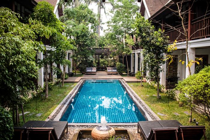 pool-hotel-laos