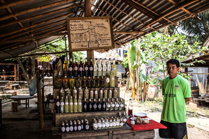 whiskey-village-laos