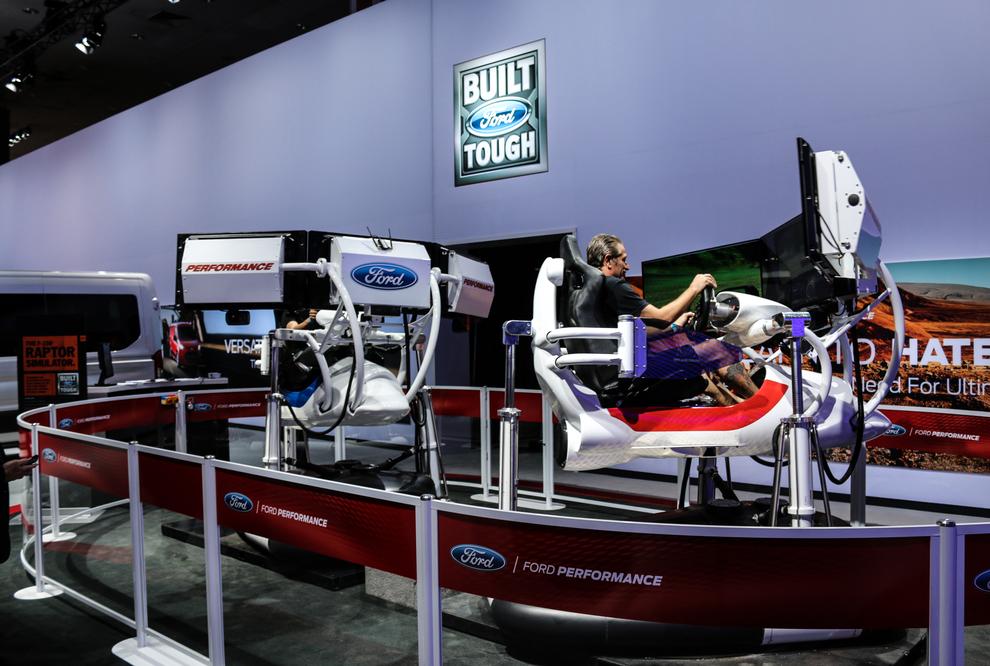 la-auto-show-ford-simulator